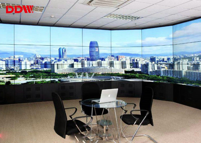 Narrow Bezel Large Display Wall , 8 Bit 16M Color Variety Signal Ports 4k Video Wall Display